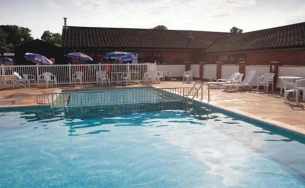 Merley Court Holiday Park 4766
