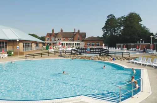Merley Court Holiday Park 4777