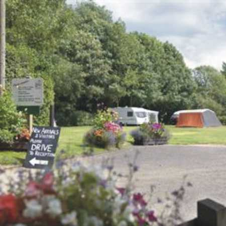 Holme Valley Camping and Caravan Park 9219