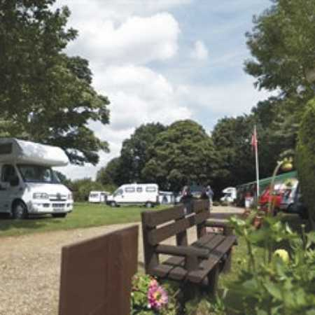 Holme Valley Camping and Caravan Park 9220