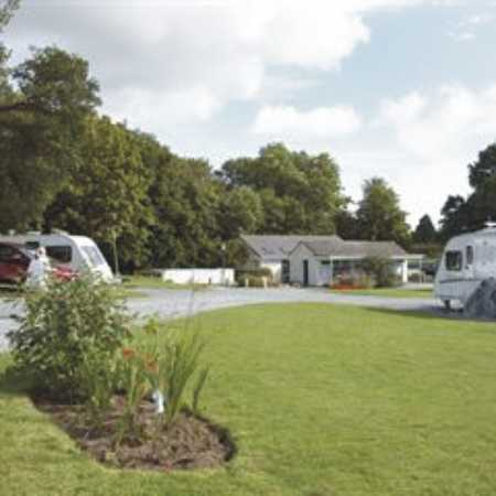 Holme Valley Camping and Caravan Park 9223