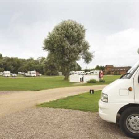Holme Valley Camping and Caravan Park 9234