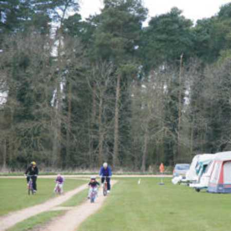 Holme Valley Camping and Caravan Park 9244