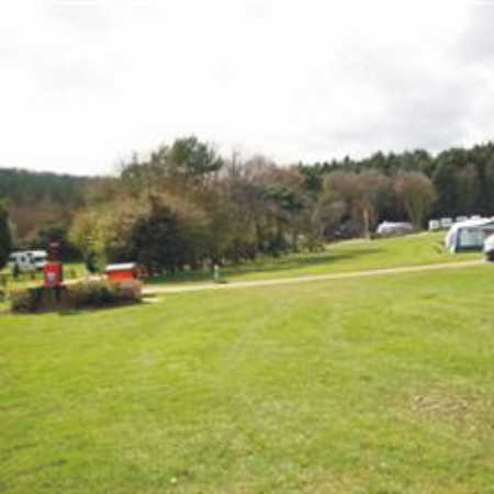 Holme Valley Camping and Caravan Park 9247